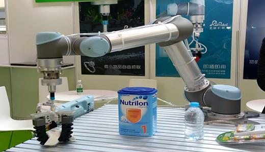 机器人替代人工生产 食品加工业迎新变化
